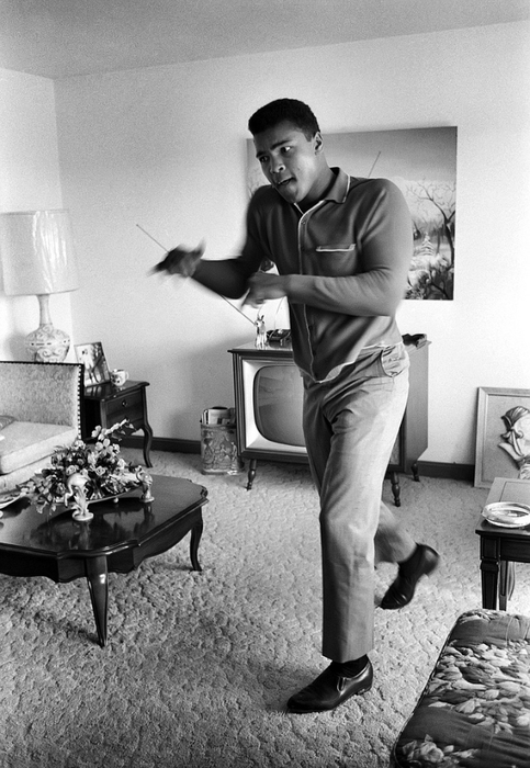Ali in his apartment 95377394_large_22ak